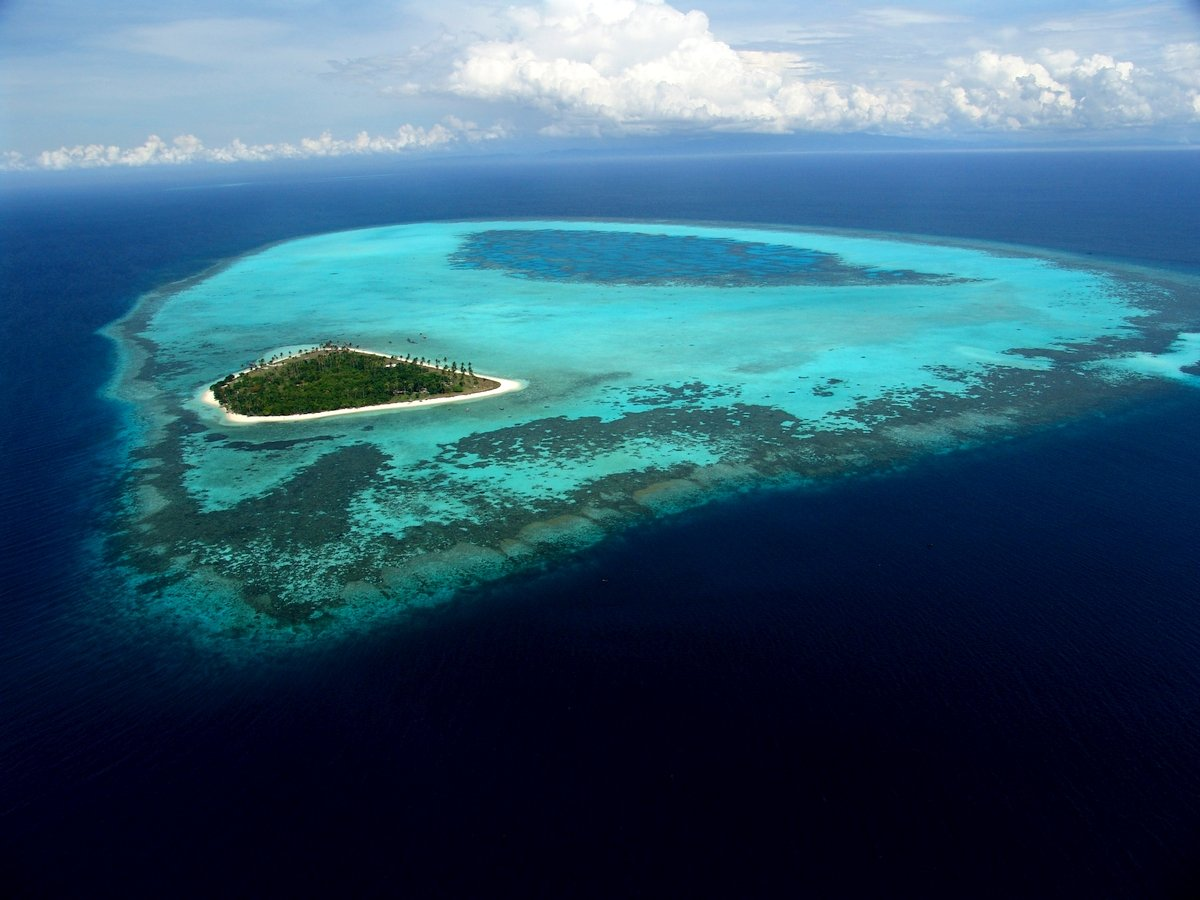 Vista aera di una delle isole più belle della Malesia
