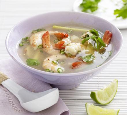 Un piatto con la Zuppa Tom Yum