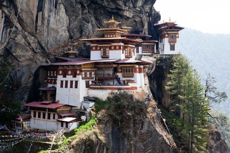 Vista panoramica del Monastero Tana della Tigre in Bhutan