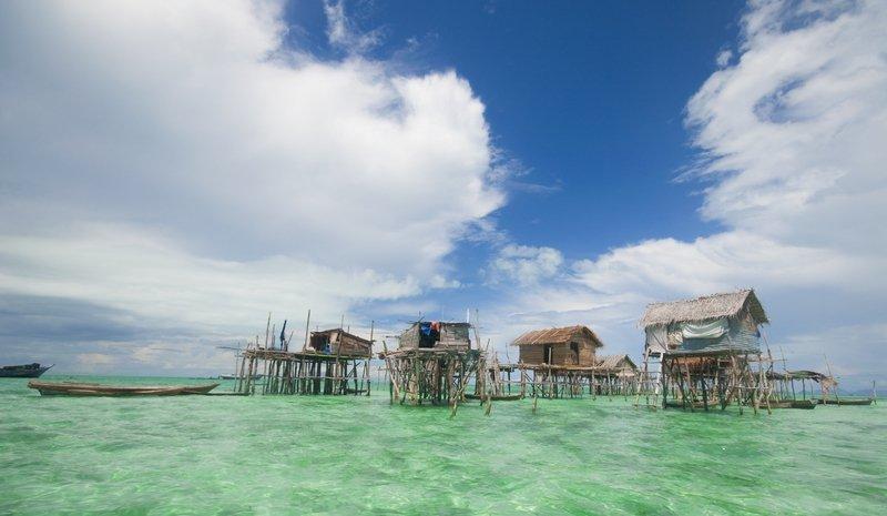 Villaggio su palafitte dei Bajau Laut