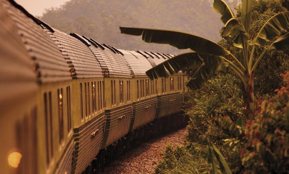 Treno Eastern & Oriental Express in viaggio per Singapore