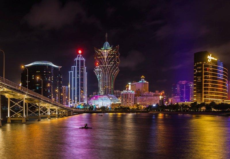 La città di Macao di notte