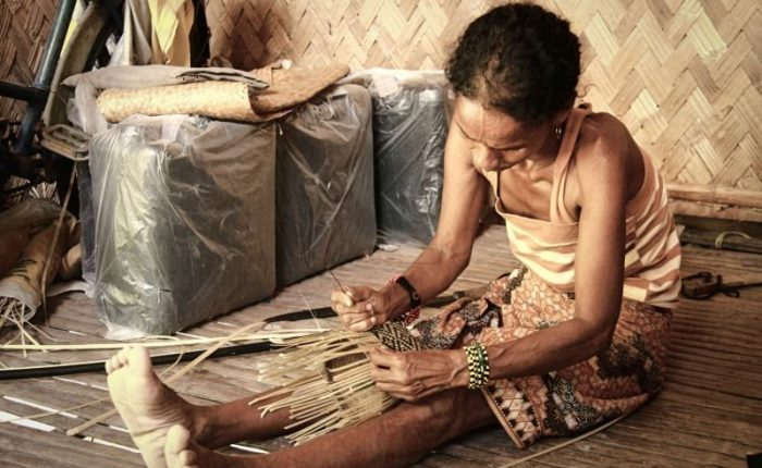 Donna tribù dei Batak Fiippine