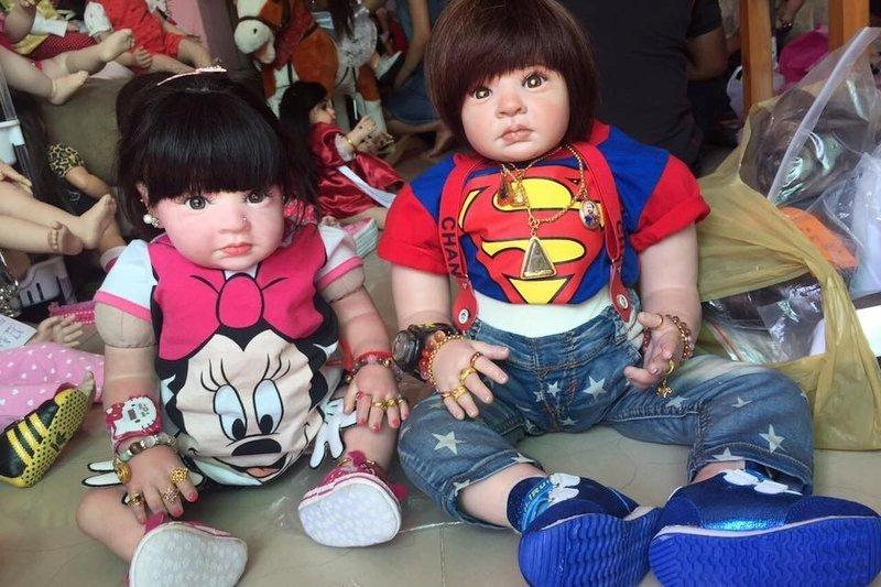 Negozio di Bambole-Angelo Luk Thep in Thailandia