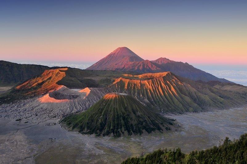 Alba sul Monte Bromo a Giava in Indonesia