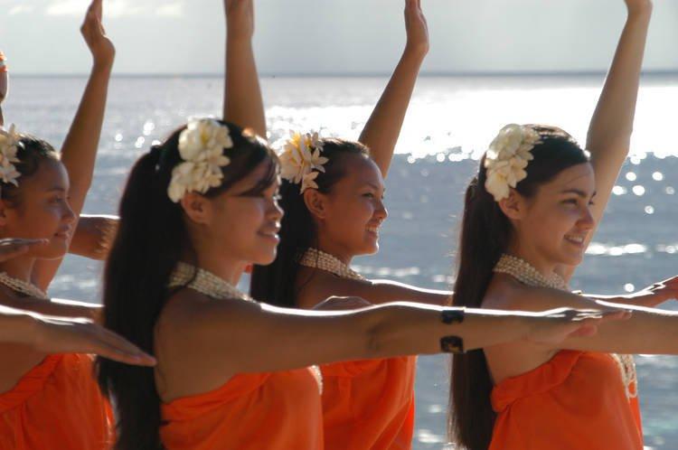 danza-topicale-isola-di-guam