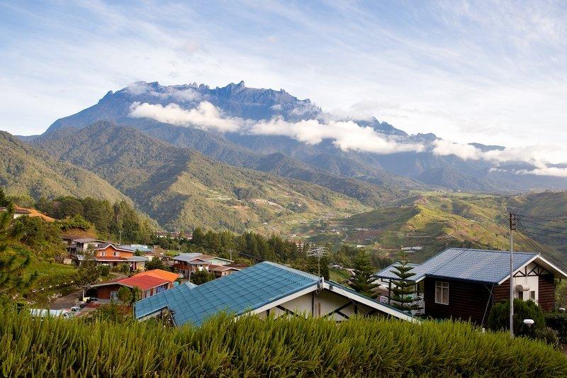 Vista del monte Kinabalu, Sabah, Malesia
