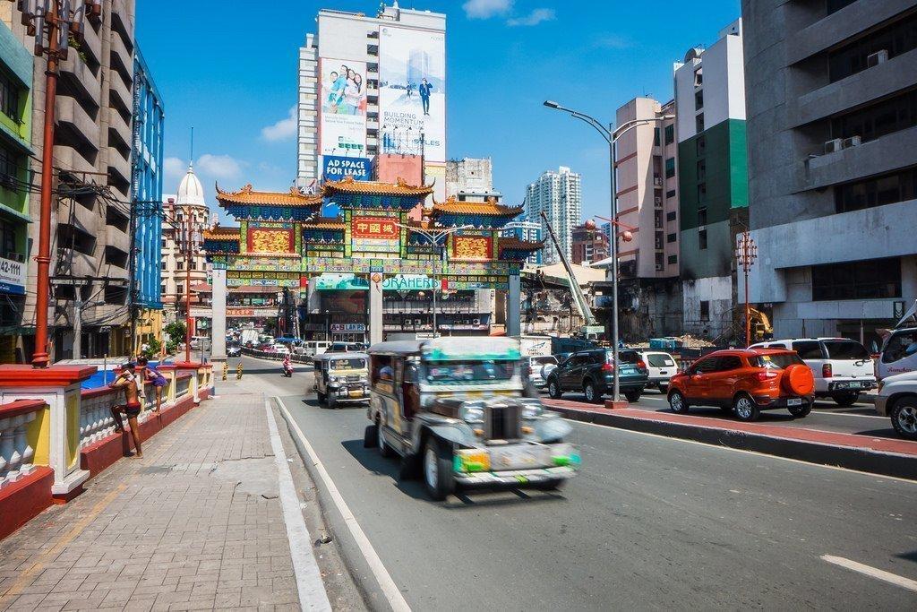 Jeepney nelle strade di Manila