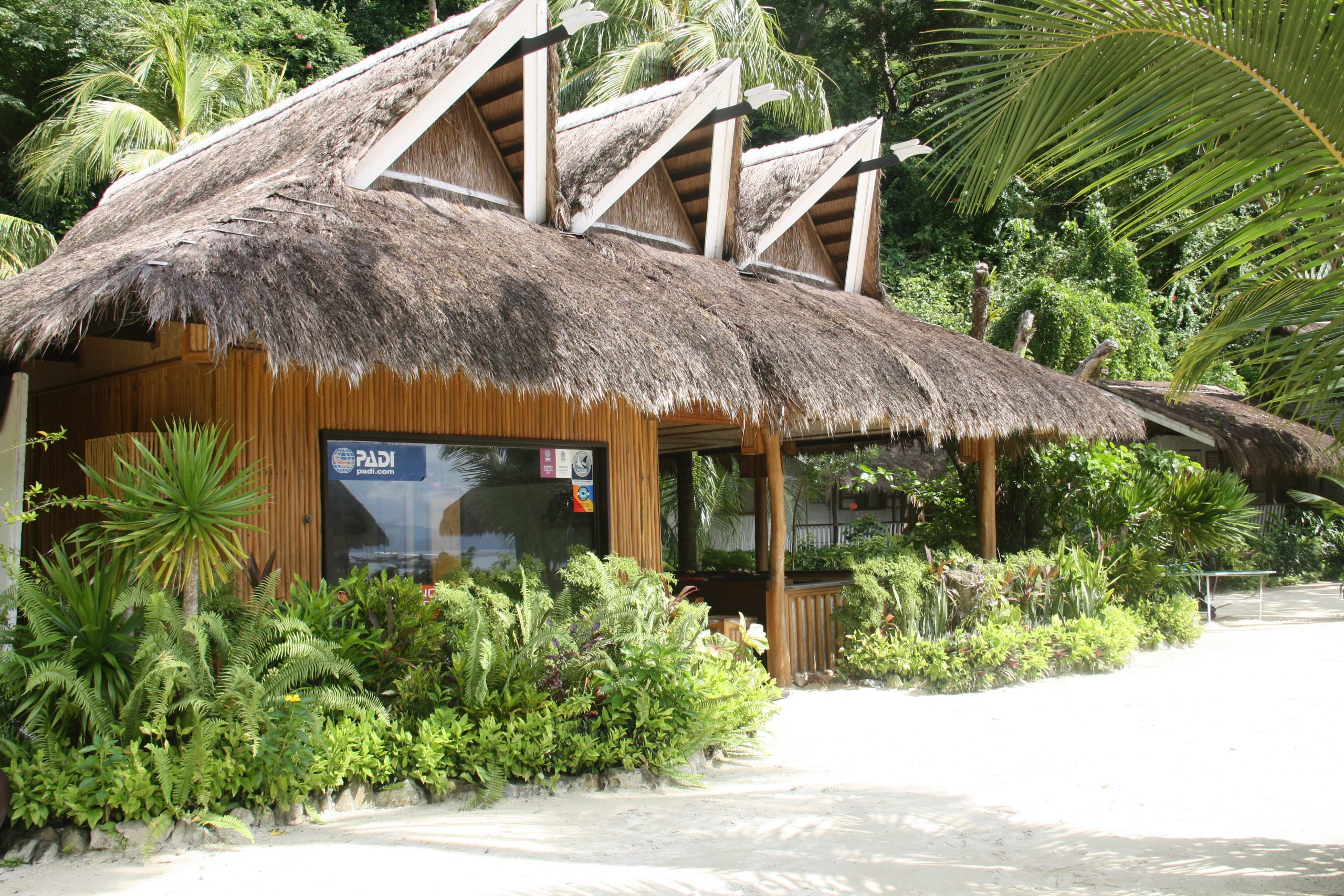 Il centro diving di Miniloc Island Resort, El Nido