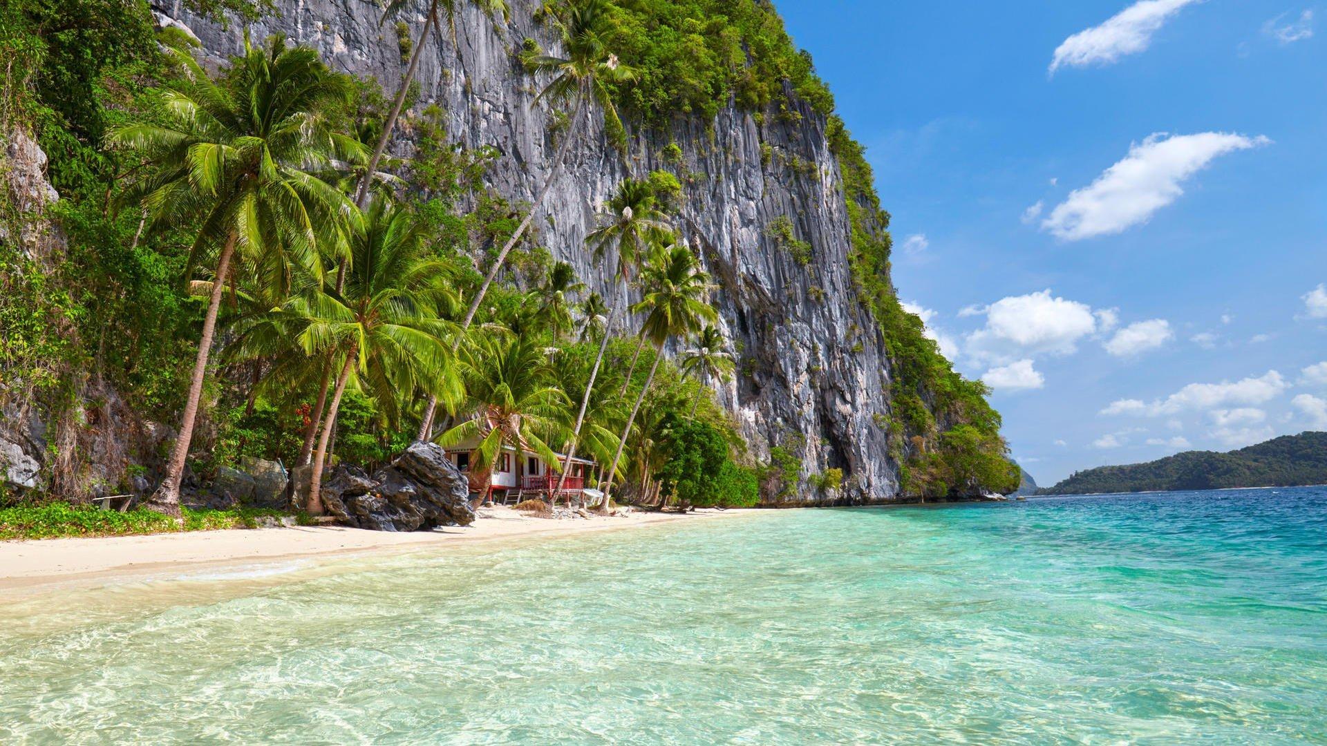 Bellissima isola con mare cristallino a El Nido, Filippine