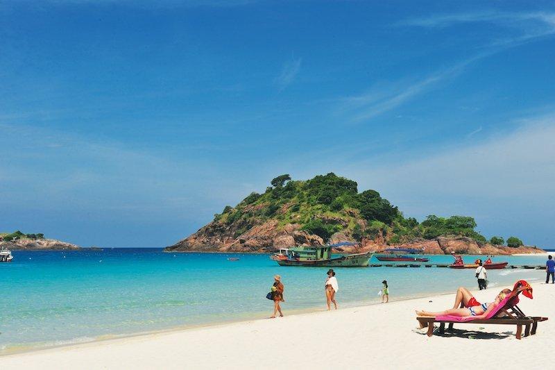 Turtisti in spiaggia a Redang, Malesia